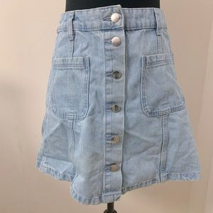 H&M light wash denim button down skirt